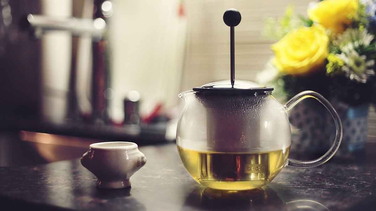 Green tea in press